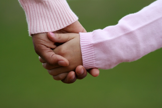 holding-hands-aa